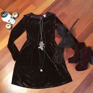 Dresses & Skirts - NWOT MOSSIMO Cute  Black Velvet Skater Dress M